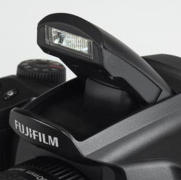 Fujifilm FinePix S6500fd - flash